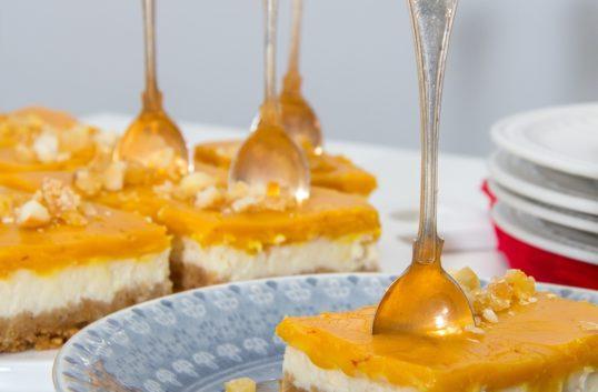 Macadamiabrittle cheesecake med saffranskola