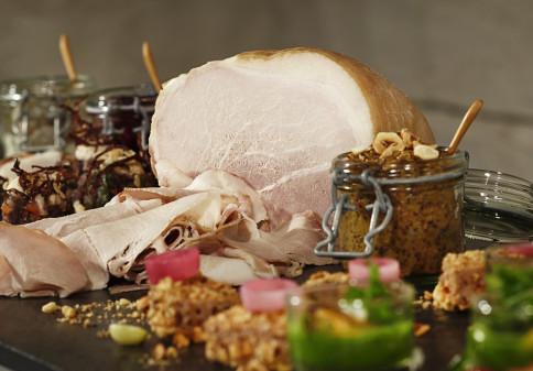 Nära hälften av svenskarna vill köpa sin julskinka utan nitrit