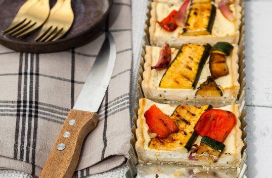 Ricotta- och cream cheesepaj med grillade provencalska grönsaker