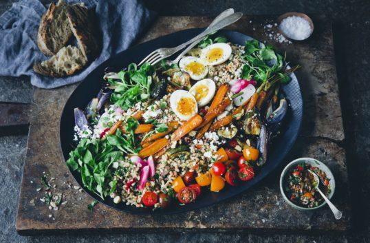 Grynsallad med paprikasalsa & rostade grönsaker