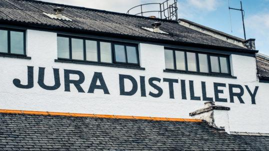 Ny whiskyserie hyllar invånarna på den hjorttäta ön