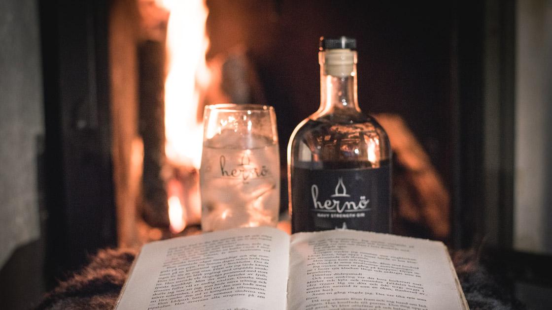 Prestigefullt guld till Hernö Navy Strength Gin för sällsynt komplex smak med god balans