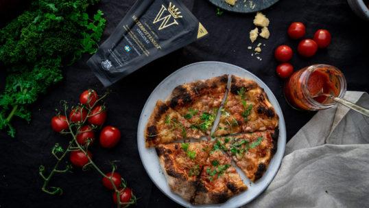 Sofias favoritpizza med pancetta, färsk körvel och Västerbottensost