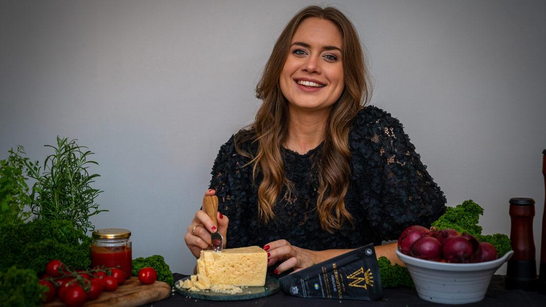 Sofia Henriksson ny ambassadör för Västerbottensost