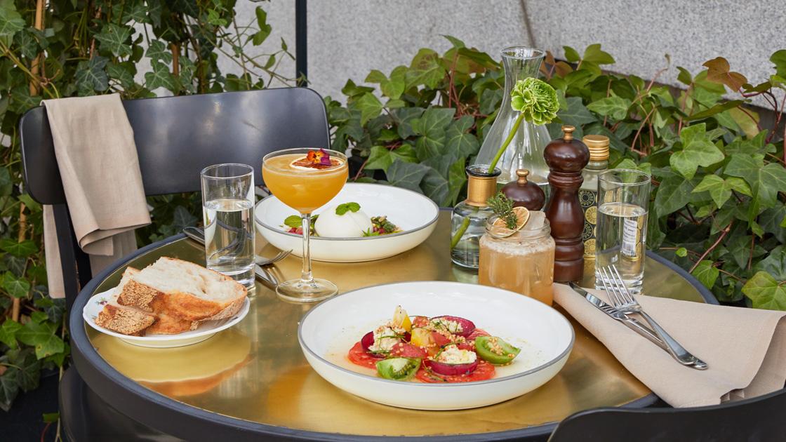Nobis Hotels Bistro Bino slår upp dörrarna till solig uteservering