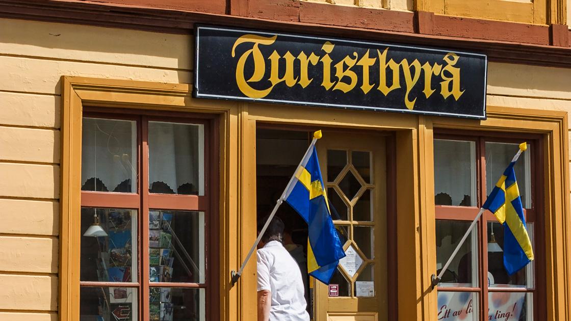 Svenskar väljer bort utlandsresan i år igen