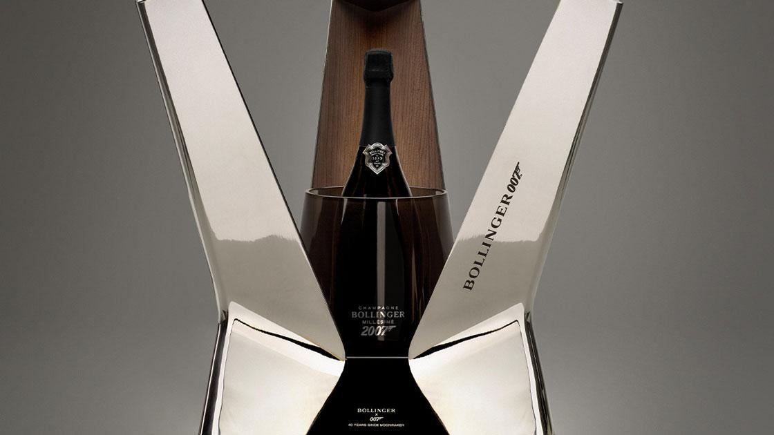 Exklusiv Bondflaska från Champagne Bollinger auktioneras ut på Bukowskis: Bollinger Moonraker Luxury Limited Edition 2007 med utropspris 55 000 kronor