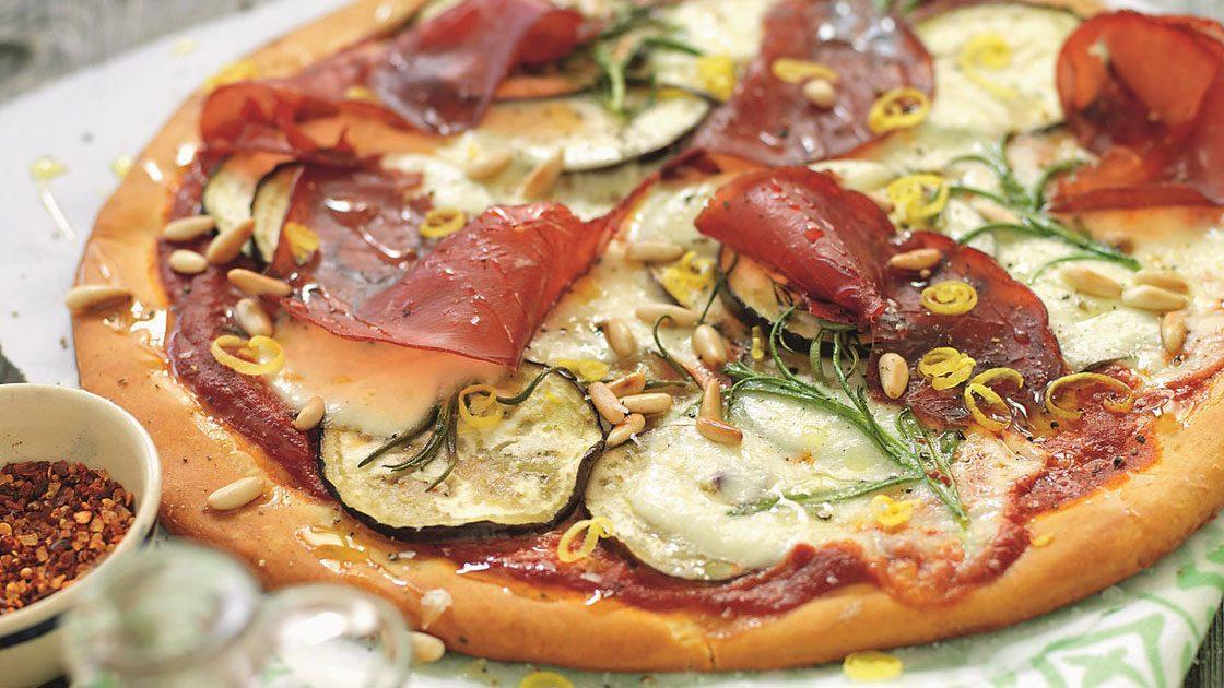 Pizza med bresaola och aubergine